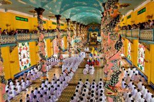 Cao Dai Temple - Cu Chi Tunnels 1 Day Tour